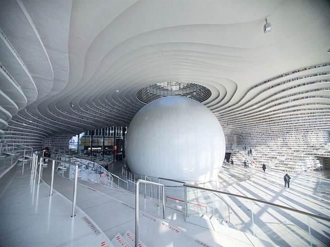 ▲被譽為「濱海之眼」的濱海圖書館。 圖:Shutterstock/來源