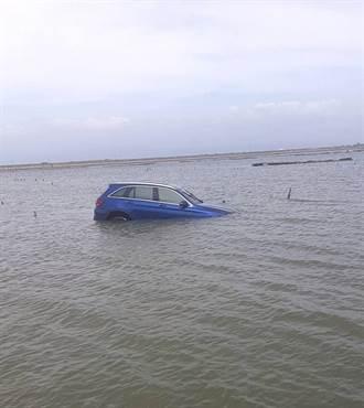 彩雲颱風天 嘉義自小客車滑落壽島駕駛險滅頂