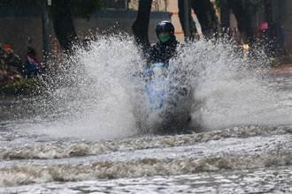 雨彈狂炸範圍擴大 全台19縣市豪大雨特報