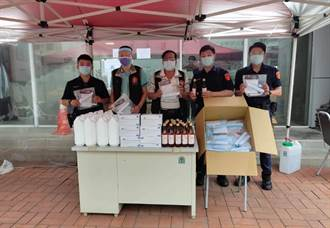 新北警15人染疫 警友站捐防疫物資