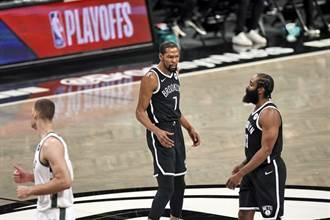 NBA》這下糗大了!杜蘭特發球砸到籃板反彈出界