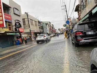 高雄6日出現豪大雨 各地出現淹水等災情