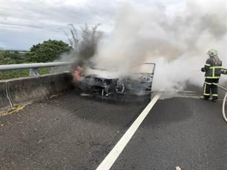 國道3古坑段憾事 汽車疑自撞護欄起火 駕駛成焦屍
