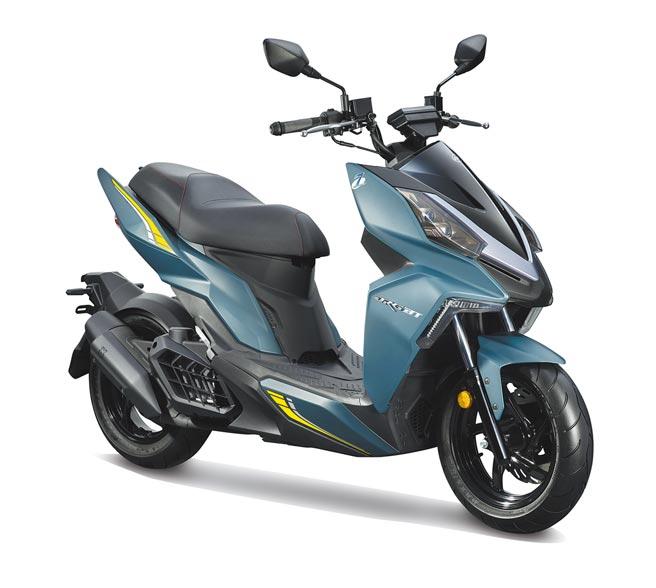 SYM DRGBT「R-Edition」符合國家七期環保的同時,動力性能也再次提升,安全配備更搭載TCS循跡防滑系統,讓騎士享受騎乘時也能多一分保障。上市首購價11萬元,再送36期零利率分期、安心鋼鐵險。(SYM提供)