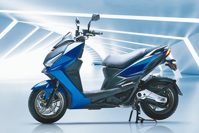 KYMCO KRV分成ABS版售價11萬2800元、TCS版12萬3800元,購車享36期零利率、零元交車、免設定費,以及1年期丟車賠車、3萬元車碰車險。(KYMCO提供)