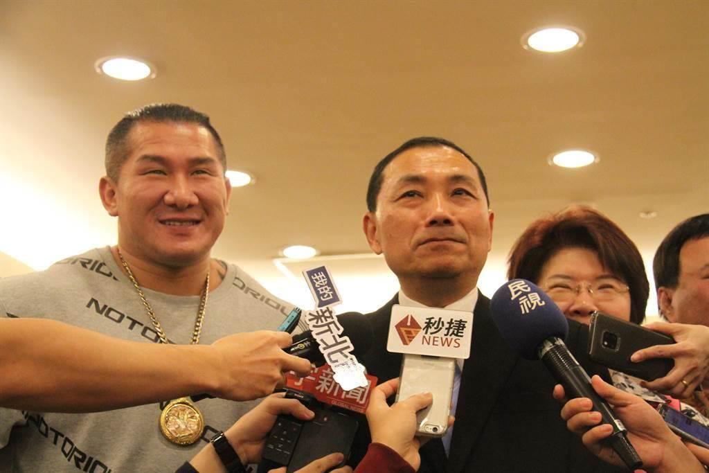 館長陳之漢(左)、侯友宜(右)。(圖/本報資料照,譚宇哲攝)