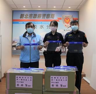新北議員力挺第一線員警 捐贈700個防疫面罩攜手抗疫