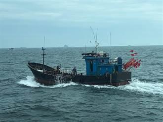 疫情嚴峻遇大陸伏季休漁期  馬祖海巡掃蕩驅離22陸船