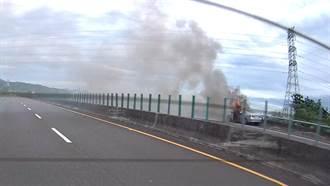 嘉市少年隊小隊長命喪火燒車 路過網友PO照辦案驚:火裡有人?