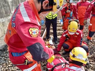 女闖豐原鐵道撞區間車 遭捲入火車底右小腿骨折