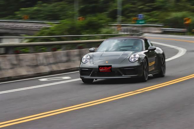 無拘無束的經典情懷 Porsche 911 Targa 4S
