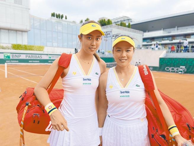 詹詠然(右)、詹皓晴無緣二度闖進法網女雙8強。(資料照片/劉雪貞提供)