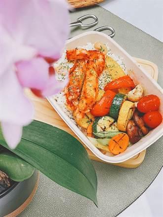 鎖定高端居家宅食「貴客」 三二行館頂級帝王蟹餐盒開賣