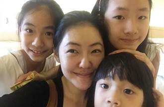 小S被媽嗆「排擠某個孩子」 當媽15年認了:累了愛不動她