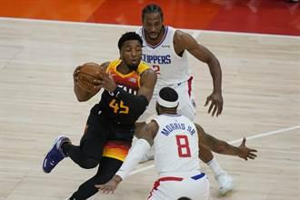 NBA》米契爾45分 戈貝爾槍響麻辣鍋 爵士險勝快艇拔頭籌