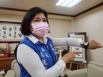 對付沉默缺氧 雲林居家隔離者配發健康錶監測血氧與心律