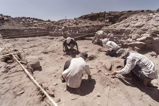 大陸陝西榆林毛烏素沙漠出土來自明代的長城城堡「清平堡遺址」。(示意圖與本文無關/達志影像)