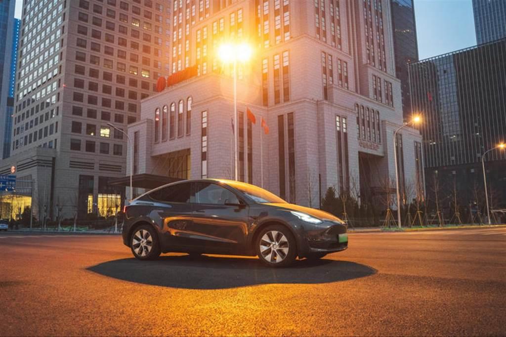 繼美國之後,中國 Model Y 銷量也開始超越 Model 3
