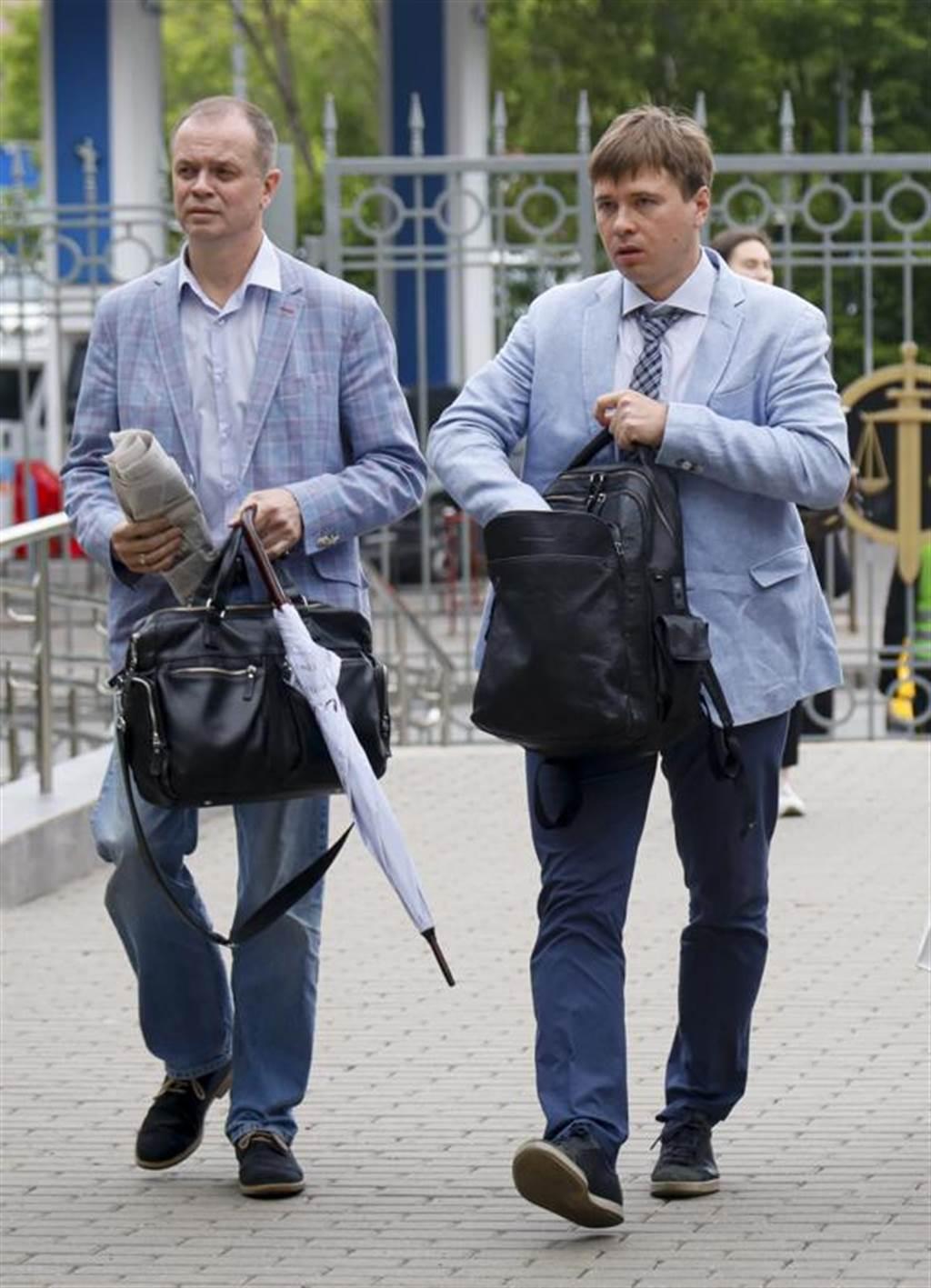 代表纳瓦尼所属组织的俄国律师9日前往莫斯科法院。(图/美联社)(photo:ChinaTimes)