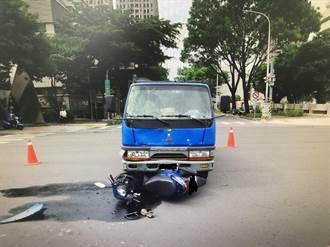食藥署科長騎機車上班 遭貨車撞飛傷重不治同仁不捨