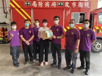 疫情嚴峻 桃園救護勤務重 熱心民眾捐物資謝消防