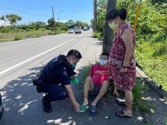 視障男「無罩」街頭遊走  暖警提供口罩護送返家