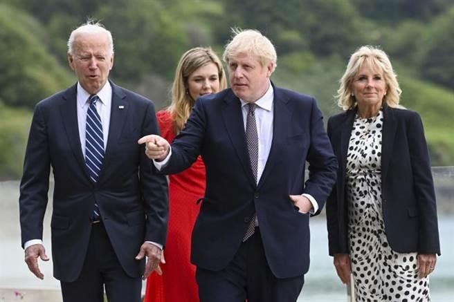 在七大工業國集團(G7)峰會前夕,強生(Boris Johnson)今天與美國總統拜登(Joe Biden)首度舉行面對面會談。(美聯社)