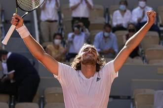 法網》五盤拍落德國金童 西西帕斯生涯首闖大滿貫決賽
