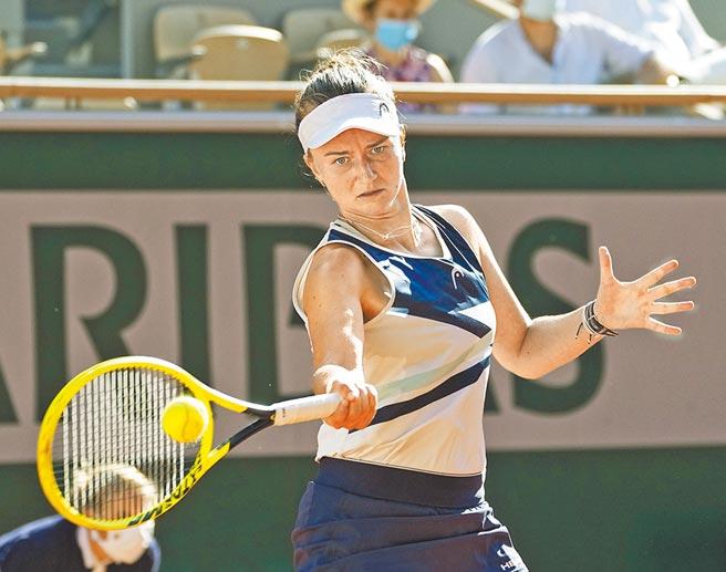 捷克女將克蕾切可娃本屆法網單、雙打都殺入冠軍戰。(美聯社)