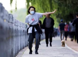 專家:沒證據顯示戶外要強制戴口罩