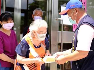 85歲以上長者6/15起接種 台中市府主動發施打通知單讓長輩好安心
