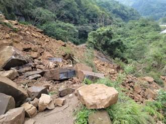 苗栗南庄連續大雨 苗21線與聯絡道大量土石崩坍