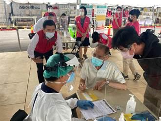 領先全國!竹市6000位80歲長者 6大疫苗施打站同步開打