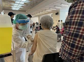 85歲長者疫苗開打 侯友宜:目前回報接種率近6成