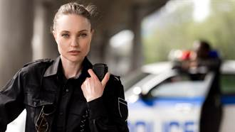 俄羅斯聯邦監獄署辦選美比賽 12位超辣美女獄警引暴動