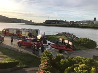 北市島頭公園浮屍 警穿防護裝打撈衛生所到場採檢