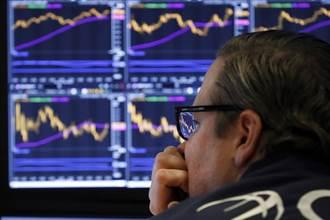 經濟數據好壞參半、短期高通膨難解 美股4大指數早盤齊跌