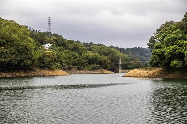 2波梅雨讓寶山水庫蓄水量回升到5成。(羅浚濱攝)