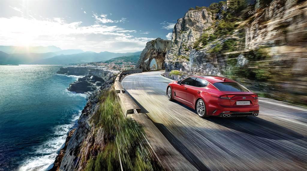 KIA New Stinger融合「Performance絕佳操控、Trendy Design革新設計、Pioneer Technology 前瞻科技」三大產品DNA,為豪華轎跑開創全新篇章 。