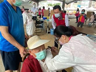 竹市今上午完成1萬2215人接種 明獲5900劑開打78歲長者