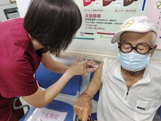 藝人脫線接種疫苗 兒:有點發燒、一切平安
