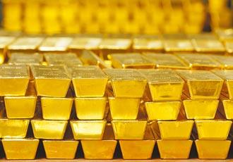 3年運5噸黃金赴港 持假證明被訴