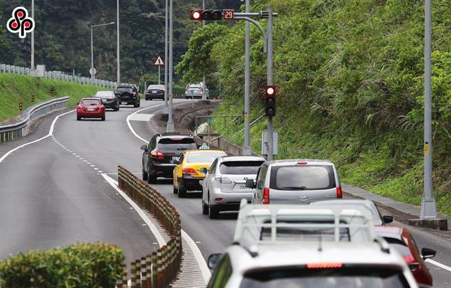 全國進入疫情第3級警戒後,國道5號交通量明顯減少,高公局取消6月20日、27日的北上高乘載管制。(本報資料照)