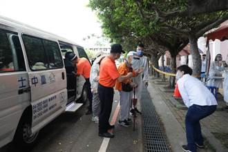 六都唯一免費 盧秀燕視察復康巴士接送長者打疫苗