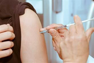 AZ開打不良反應頻傳 該買疫苗險嗎?專家給2點建議