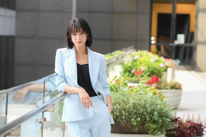 賴雅妍劇中把事業擺第一。(三立提供)