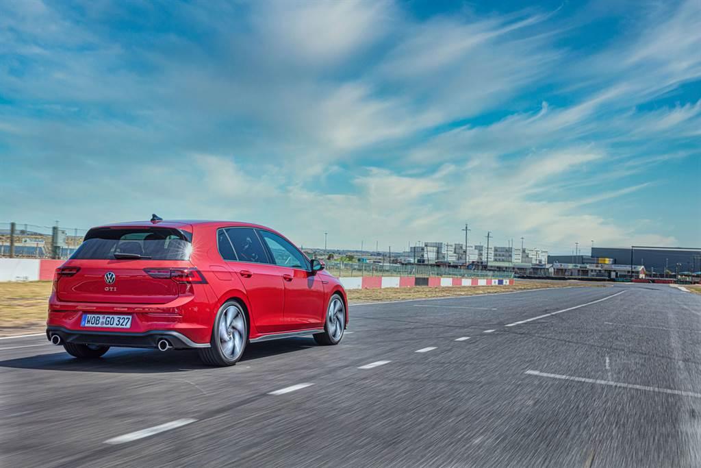 Golf 8 GTI新增具備駕駛學習功能的VDM車輛動態管理系統,提升操控及循跡穩定。
