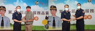 和死神賽跑 高雄2警搶救尋短父子和老翁獲頒警界楷模
