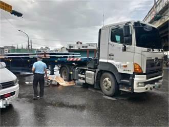 東港62歲翁騎腳踏車無故摔倒 慘遭曳引車輾斃