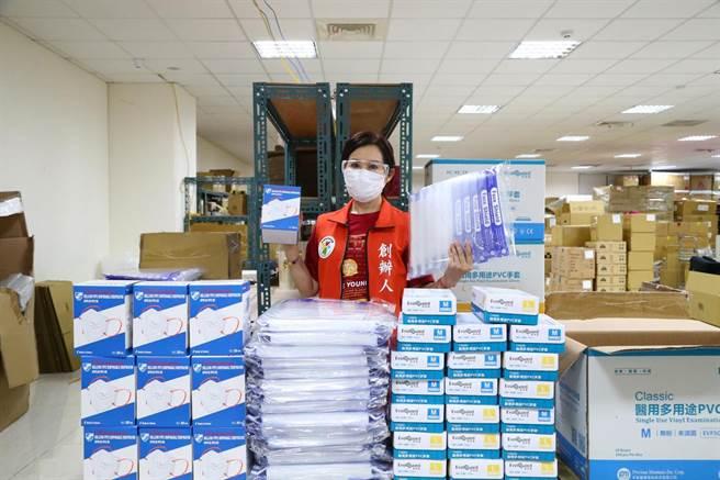 命理師雨揚捐防疫物資給各大醫院。(雨揚國際提供)